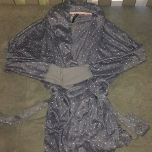 Other - Juniors shorty robe